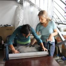 Изработване на керамични платки чрез ролер